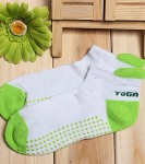 Non-Slip-Yoga-Socks-with-Grips-Green-0-0